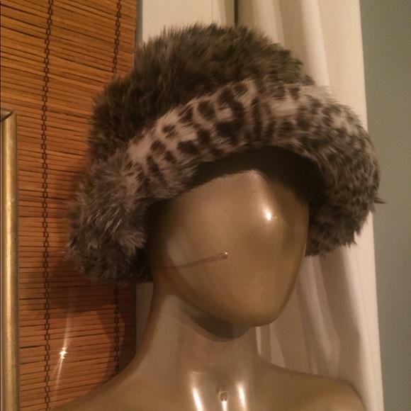 Fuzzy leopard Print Designer Bucket Hat. M 5a4ad9c0caab443d7f066ce8 eec3a5efde2
